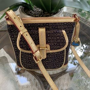 DOONEY & BOURKE NAVY & GOLD CROSSBODY BAG!💙💛
